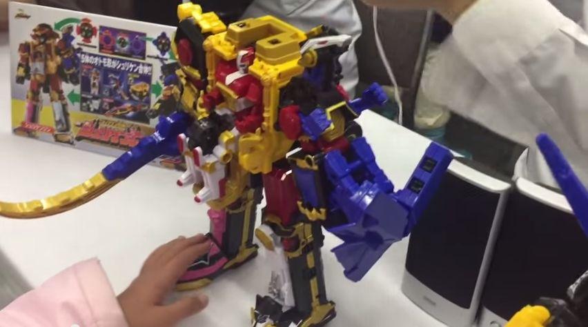 【ニンニンジャー】DX忍者一番刀とDXシュリケンジンの先行体験レビュー!今回のおもちゃは音声ギミックが楽しいぞ!