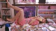 【仮面ライダードライブ】詩島霧子役 内田理央さんの自宅部屋がヤバ過ぎwマンガ(ジョジョ)だらけw