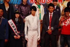【映画】『劇場版 仮面ライダードライブ』のダークドライブは、泊 進ノ介の息子の泊 エイジだと判明!