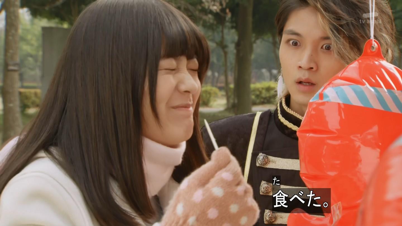 【 仮面ライダーゴースト】第18話「逆転!神秘な科学!」で、タコヤキを食べるカノンちゃんに驚くアランの表情が面白すぎw