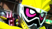 【仮面ライダーエグゼイド】スピンオフ「仮面ライダーレーザー」で友情変身!バイクアクションゲーマーが登場!黄色いトサカw