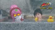 【宇宙戦隊キュウレンジャー】来週はハミィ&ラプターのダブルヒロインの入浴シーンが!キタコレ!