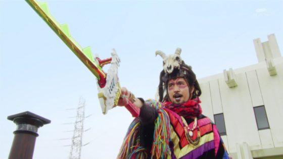 【リュウソウジャー】撮影でボスが使っていた謎の民族衣装は幻徳だけではなく、東映伝統の衣装だった!