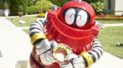 """【ニュース】映画『がんばれいわ!!ロボコン』の新場面写真が公開!""""汁なしタンタンメン""""を持ってニコニコするロボコンの姿が!"""