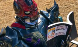 """<span class=""""title"""">【仮面ライダーセイバー】デザストさんの""""デザさんぽ""""が更新!今度は石ノ森章太郎萬画大全集を読む暴挙に!滅亡の日も近い・・・</span>"""