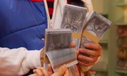 """<span class=""""title"""">【機界戦隊ゼンカイジャー】30万ポンギの""""ポンギ""""ってキュウレンジャーの通貨?日本円でいくらぐらい?</span>"""